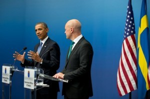 g1a5055 300x199 Akriform custom acrylic project used in Obama/Reinfeldt joint press conference in Stockholm   Akriform