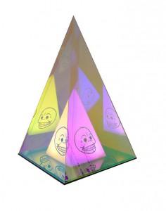Pyramid i plexiglas med folie