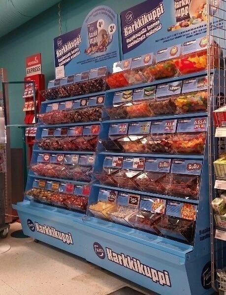 Easybox godisbehållare i butik, Finland