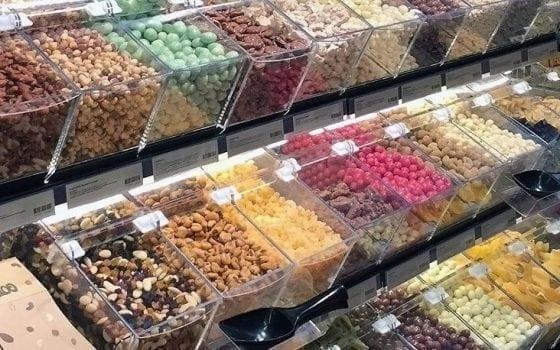 Glued acrylic bin for bulk nuts & snacks