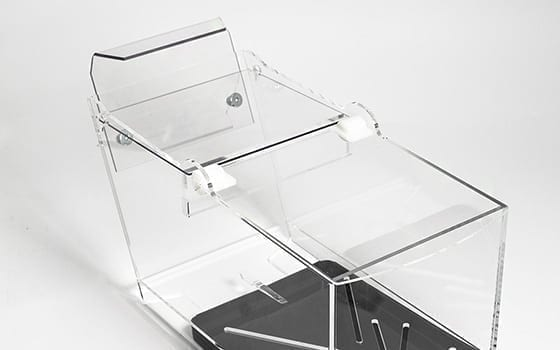 Limmad Pribox med bakkrok
